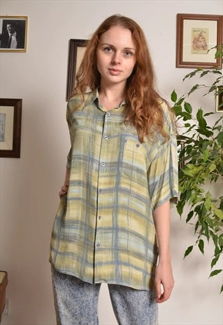 VINTAGE 90S CHECK PATTERNED OVERSIZE SHIRT IN GREEN