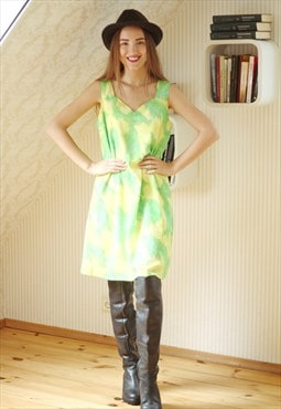 Bright green light vintage dress