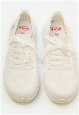 Classic Sports Sneaker in White - Memory foam insole