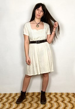 Vintage 90's Pretty Creamy White Embroidered Mini Dress
