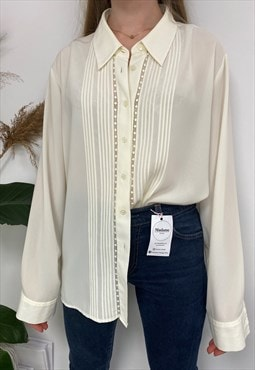 Cute Pretty Ivory White Vintage Long Sleeved Shirt