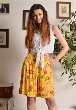 Vintage 80s Fruit Pattern Elasticated Shorts in Yellow
