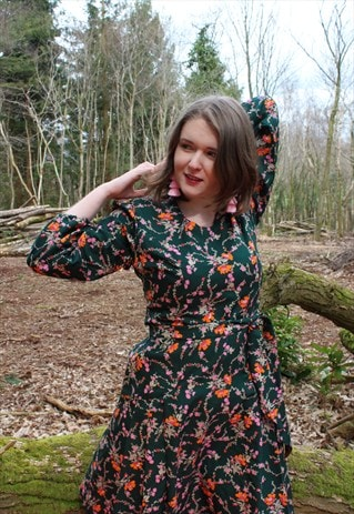 VINTAGE 70'S DARK GREEN FLORAL PRINT PLEATED DRESS WITH BELT