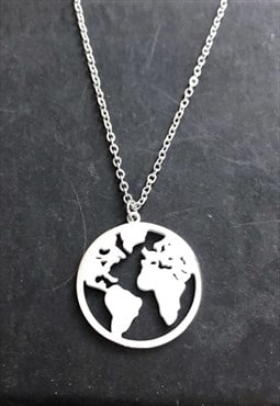 "Silver World Map Pendant Necklace 20"" o chain"