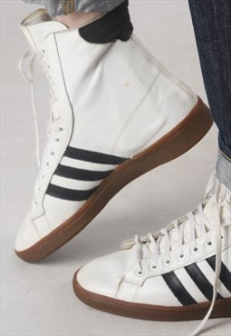Adidas Hi Top trainers UK 8, (K4A)