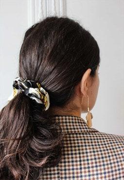 Scarf print black scrunchie