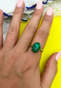 1990's Green Marbled Stone Ring