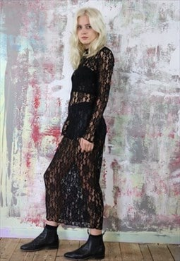 Long Dress in Black Lace with Velvet Neck