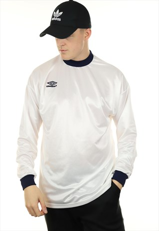 a80387029632d9 Vintage UMBRO Sports Top White | Rascal Garms | ASOS Marketplace