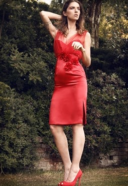 Midi fitted red satin dress