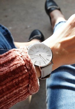 Minimalist watch gray leather / ivory white