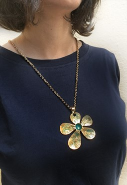 Daisy Pendant with Chain