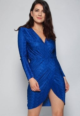 Missi London Plisse Pleat Wrap Dress in Royal Blue