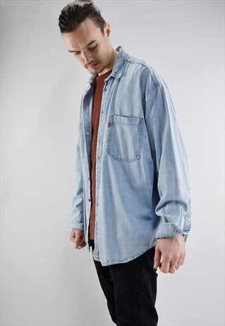 VINTAGE 90S LEVI'S OVERSIZED PALE BLUE DENIM SHIRT