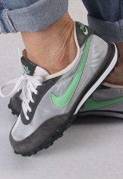 Nike trainers UK 4.5. US 7 (CACI)