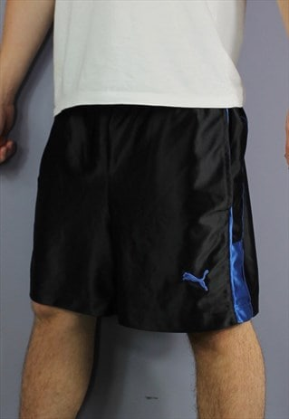 VINTAGE PUMA SHORTS IN BLACK WITH POCKETS, EMBROIDERED LOGO.