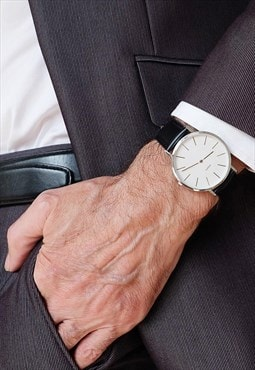 Minimalist watch black leather / ivory white