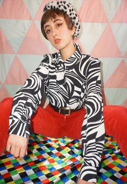Vintage 90s Black and White Psychedelic Pattern Shirt