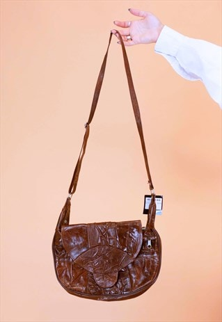 Vintage Round Bag With Crinkle Leather in Brown