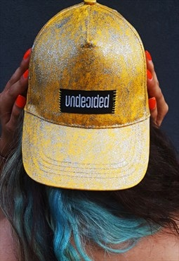 Un'cap baseball yellow hat
