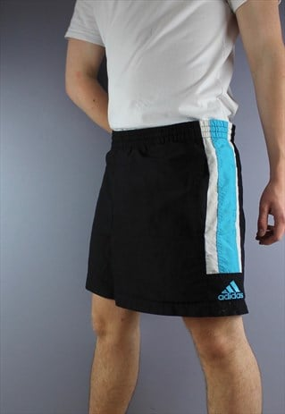 VINTAGE ADIDAS SHORTS IN BLACK WITH POCKETS AND EMBROIDERED