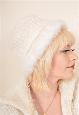 Vintage Faux Fur Lined Bucket Hat in Cream