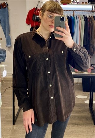 VINTAGE 90S CORDUROY SHIRT LONG SLEEVE IN BROWN W POCKETS