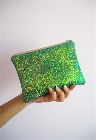 SPARKLY MAKEUP BAG IN GREEN GLITTER