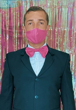 Fuchsia face covering set with clip on bow tie