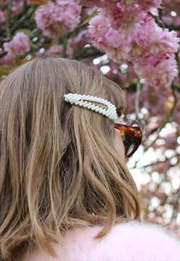 Oversized Faux Pearl Hairclip