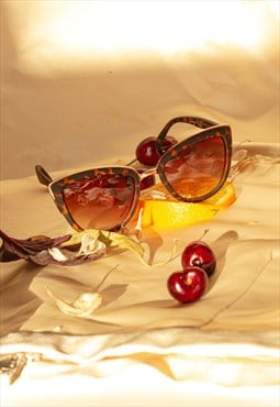 Supersize Cat Eye Sunglasses Tortoise Shell
